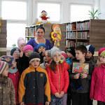 """Pierwszoklasiści z """"Trójki"""" w bibliotece"""